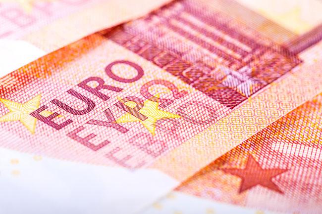 euro-banknote